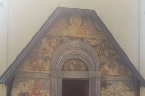 Фасад церкви в монастыре Морача. Фото: Виктор Пашинский, CC BY-SA 3.0