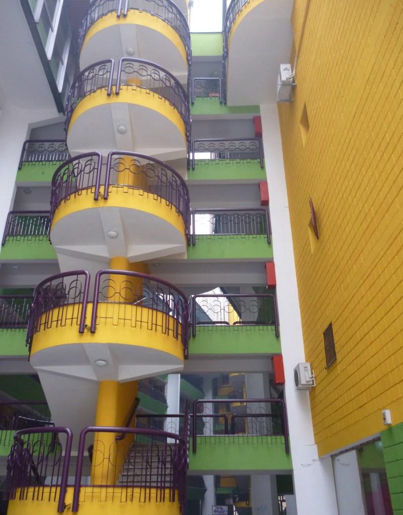 Папагайка, внутренние балконы и переходы. Фото: Елена Арсениевич, CC BY-SA 3.0