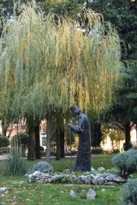 Памятник патриарху Павле. Фото: Елена Арсениевич, CC BY-SA 3.0