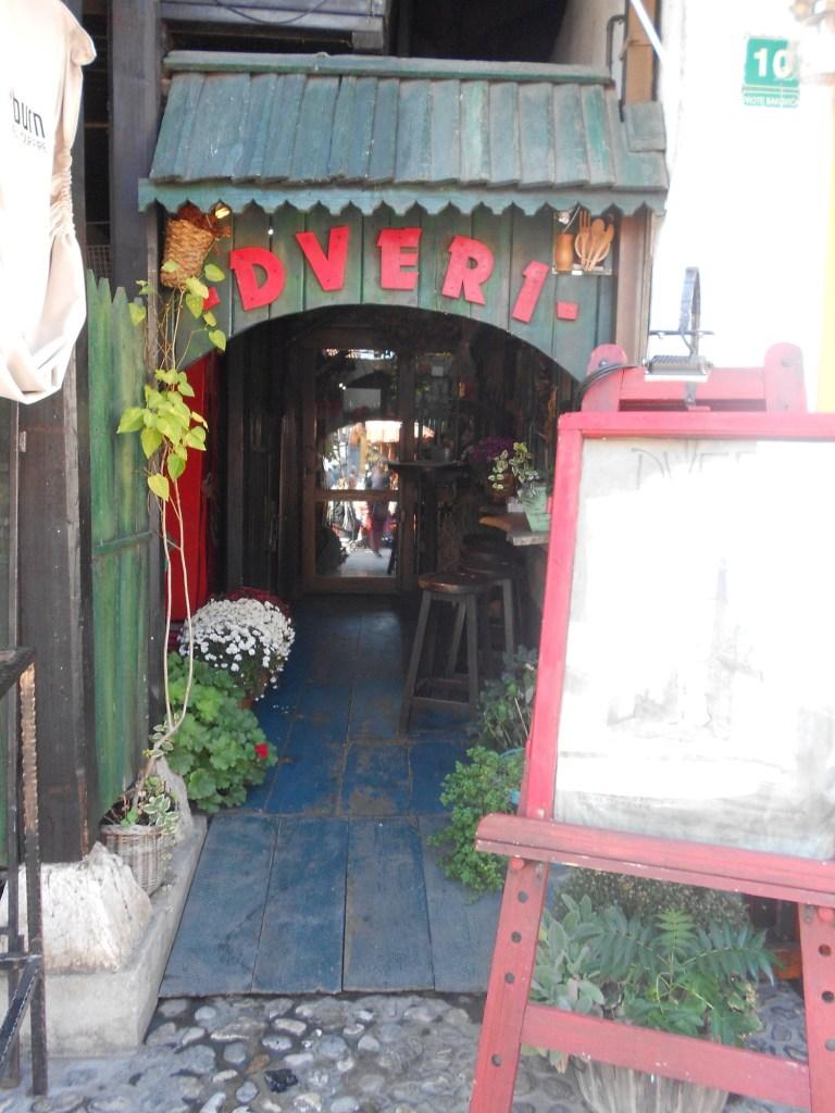 "Ресторан ""Dveri"". Фото: Елена Арсениевич, CC BY-SA 3.0"
