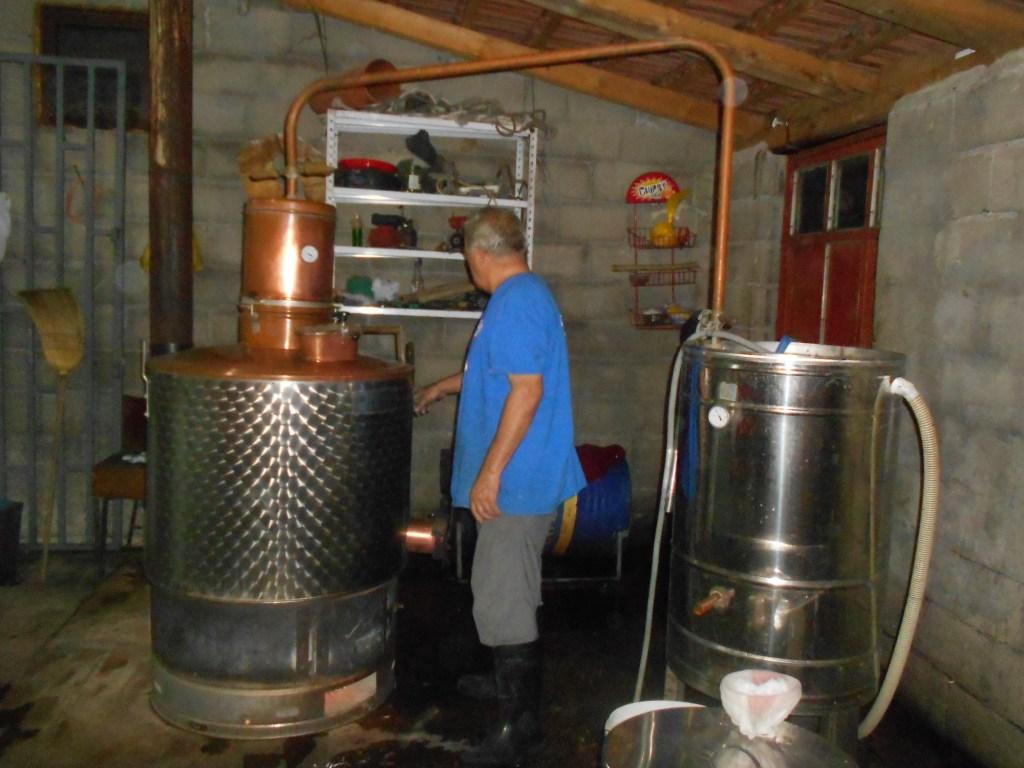 Казан, аппарат для производства ракии. Фото: Елена Арсениевич, CC BY-SA 3.0