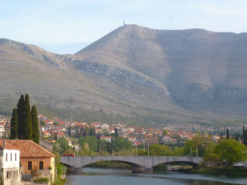 Каменный мост, слева Старый город. Фото: Елена Арсениевич, CC BY-SA 3.0