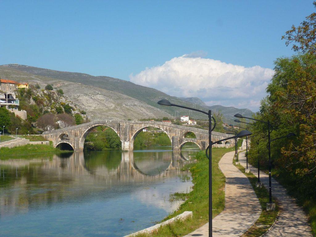 Требишница и мост Арсланагича. Фото: Елена Арсениевич, CC BY-SA 3.0