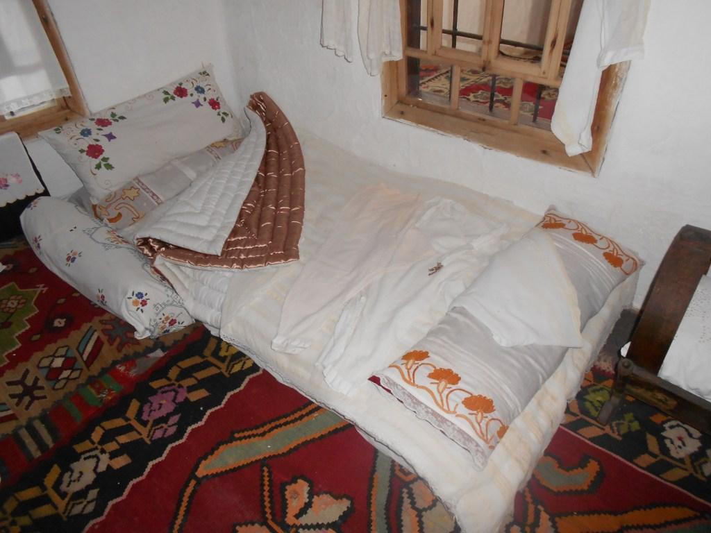 Традиционная постель. Дом Кайтаза в Мостаре. Фото: Елена Арсениевич, CC BY-SA 3.0