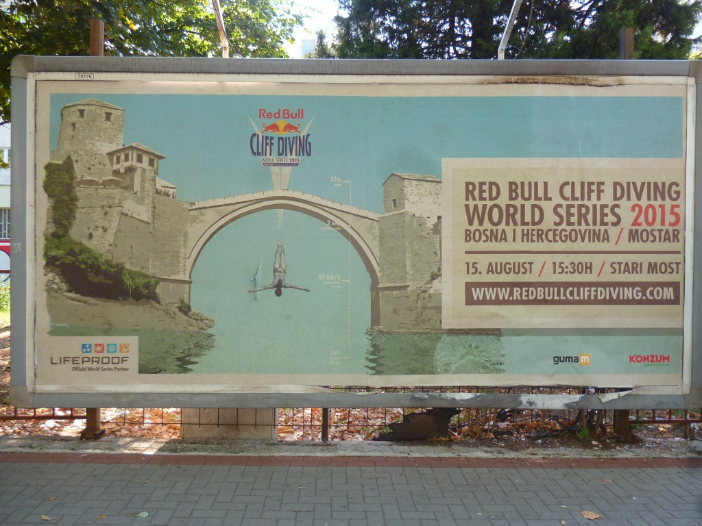 Афиша первого Red Bull Cliff Diving в Мостаре. Фото: Елена Арсениевич, CC BY-SA 3.0