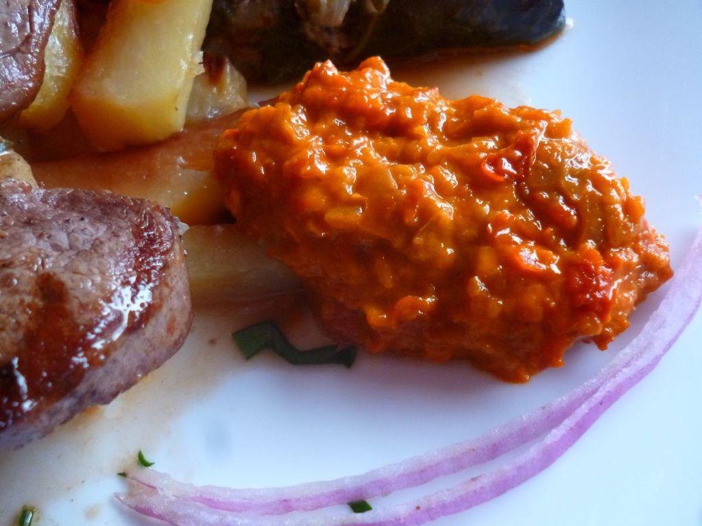 Айвар как добавка к мясу. Фото: Елена Арсениевич, CC BY-SA 3.0