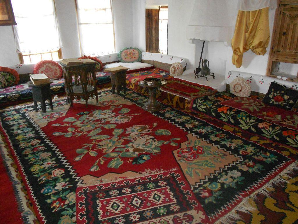 Традиционный интерьер. Дом Кайтаза. Фото: Елена Арсениевич, CC BY-SA 3.0