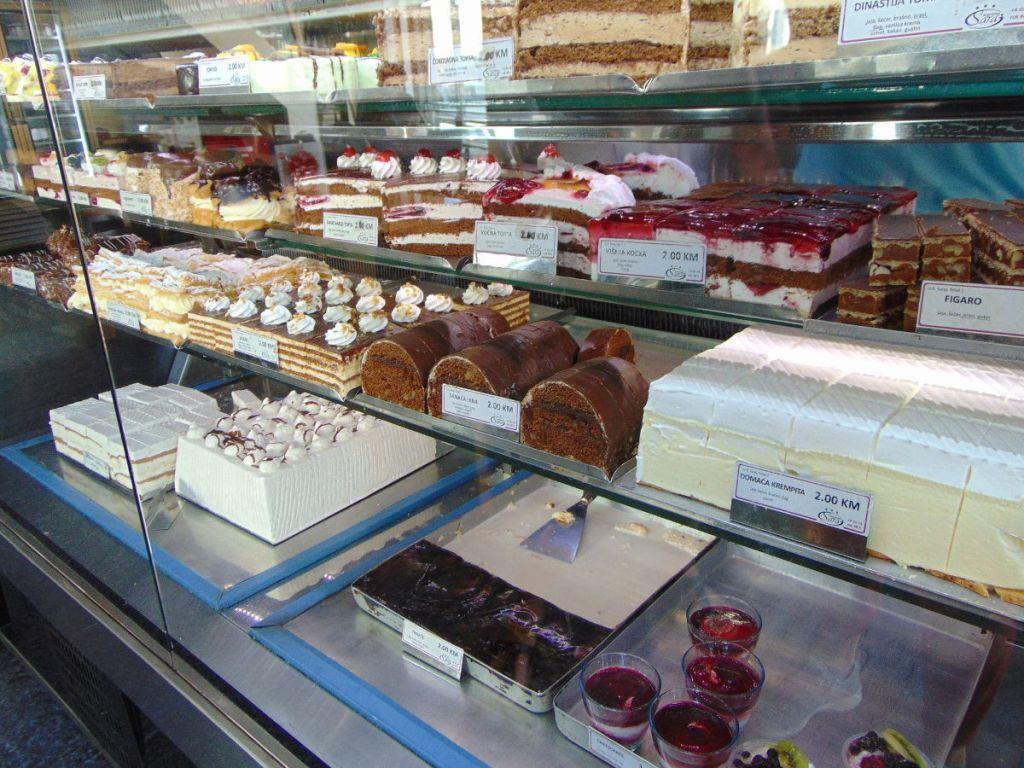 Десерты в европейском стиле. Фото: Елена Арсениевич, CC BY-SA 3.0