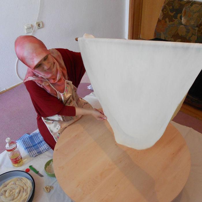 Тесто для бурека. Фото: Елена Арсениевич, CC BY-SA 3.0