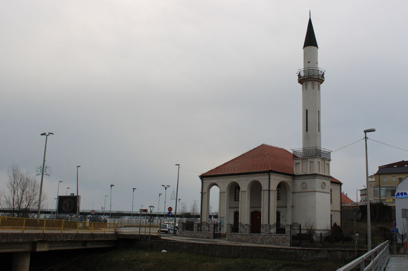 Мечеть Атик на берегу Савы. Фото: Елена Арсениевич, CC BY-SA 3.0