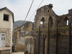 Живописная руина. Фото: Елена Арсениевич, CC BY-SA 3.0