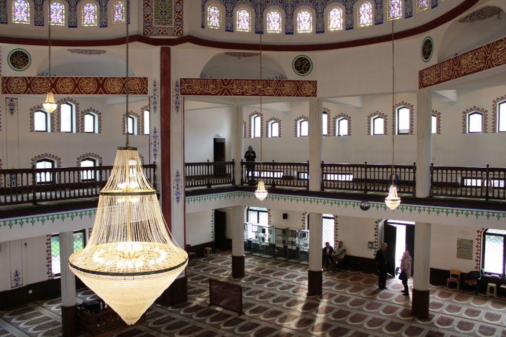Интерьер мечети. Фото: Елена Арсениевич, CC BY-SA 3.0