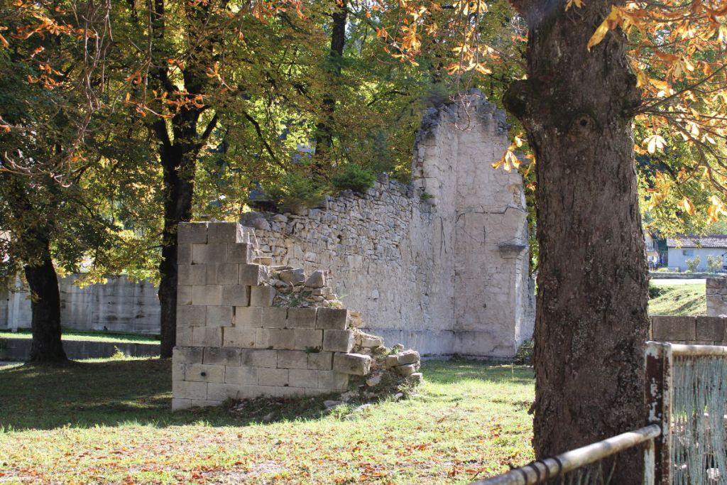 Остатки старой гламочской церкви. Фото: Елена Арсениевич, CC BY-SA 3.0