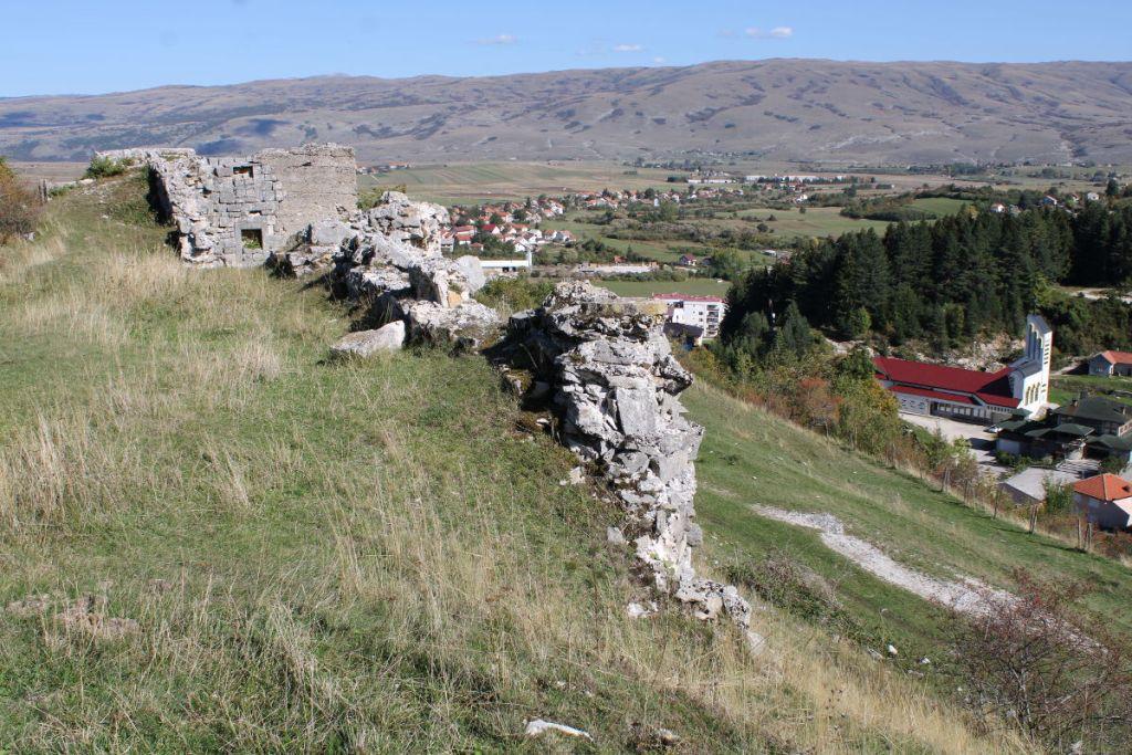 Гламоч. Вид с крепости. Фото: Елена Арсениевич, CC BY-SA 3.0