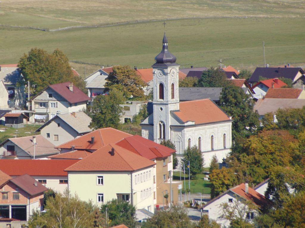 Церковь Сошествия Святого Духа в Гламоче. Фото: Елена Арсениевич, CC BY-SA 3.0