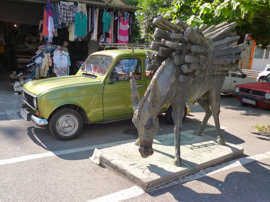 Памятник ослу. Фото: Елена Арсениевич, CC BY-SA 3.0