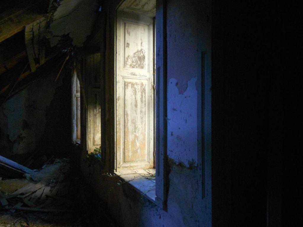 Таинственные комнаты покинутого замка. Фото: Елена Арсениевич, CC BY-SA 3.0