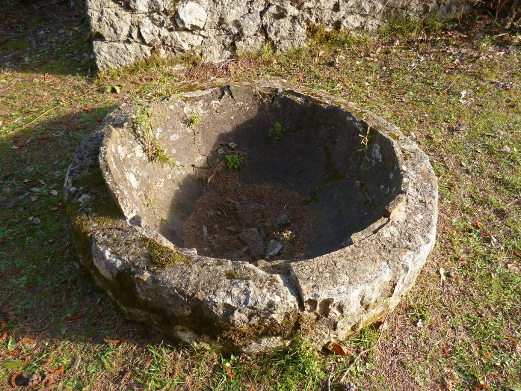 Остатки глиняной ёмкости. Фото: Елена Арсениевич, CC BY-SA 3.0