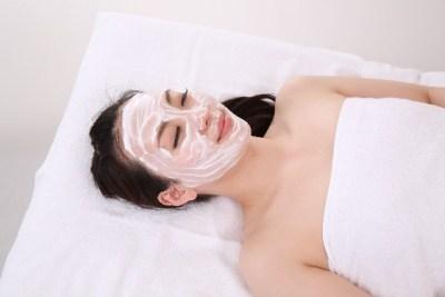 乾燥肌対策に効果的なパックの方法とは