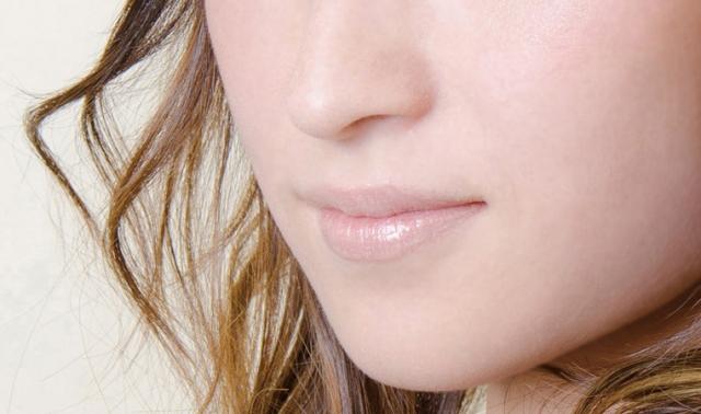 赤ら顔って生まれつきなの?原因と赤ら顔対策におすすめな化粧品