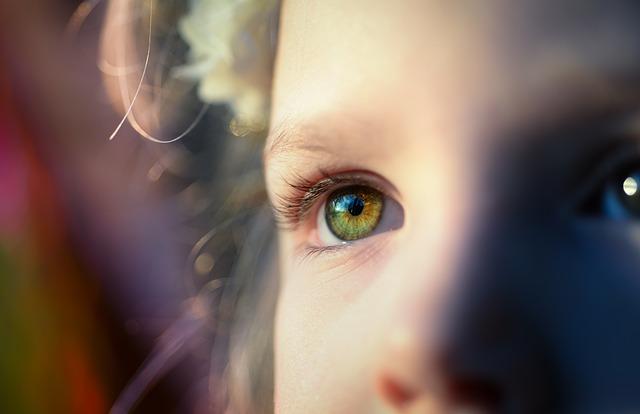 女性、子供、目