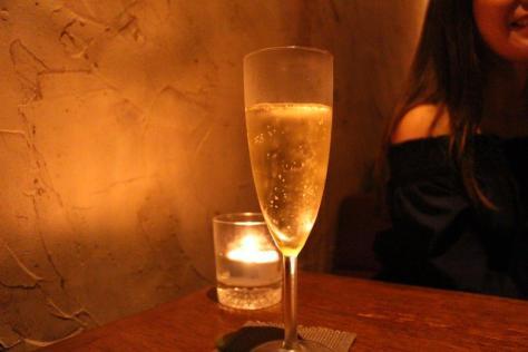 スパークリングワイン(580円)