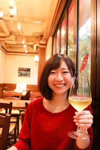 まずはワインで乾杯