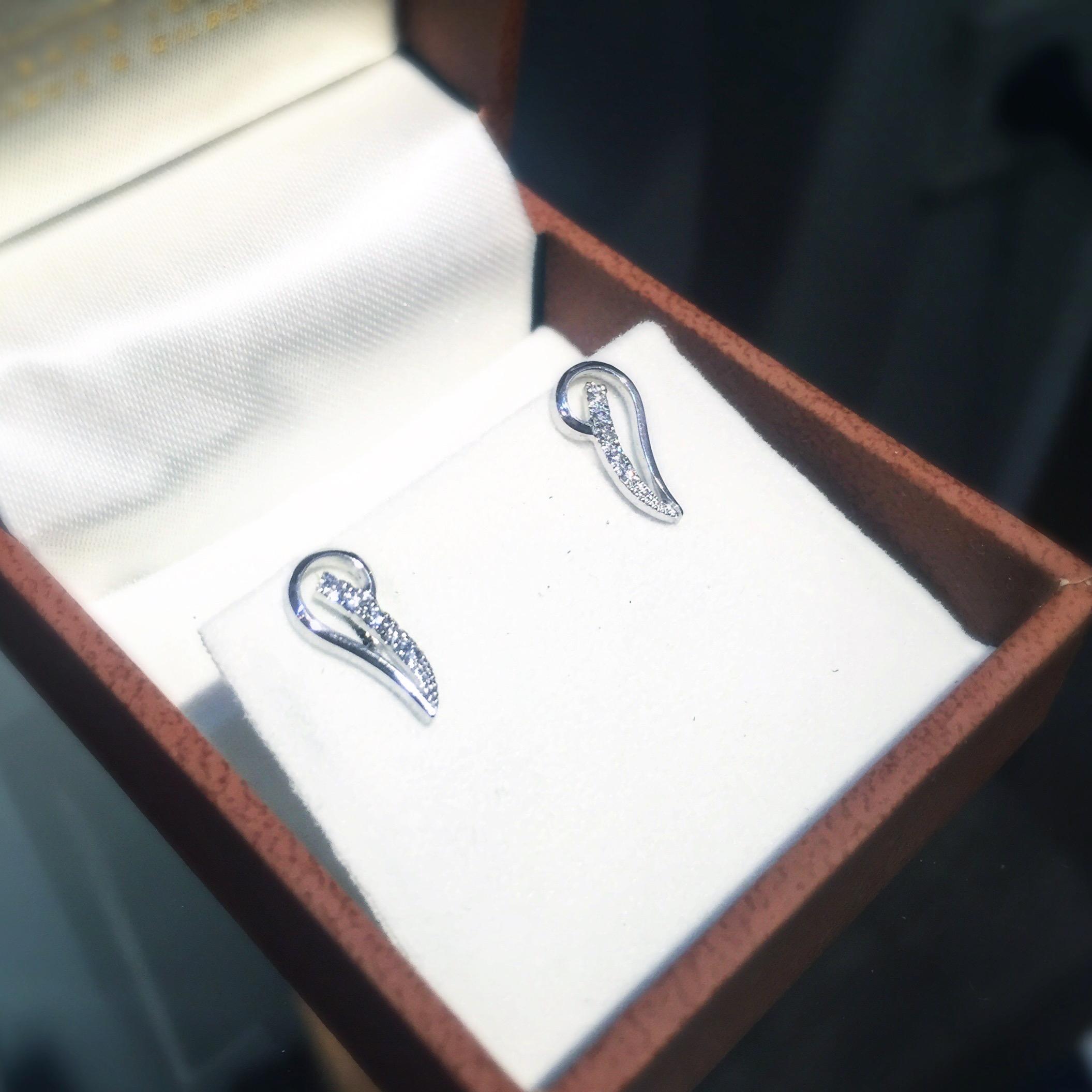 Boucles d'oreilles diamants Demis Coeurs