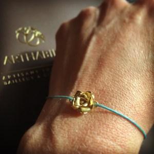 Le bracelet Rose Arthabilis.