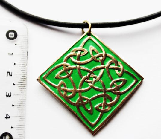 Pendentif nœuds celtiques