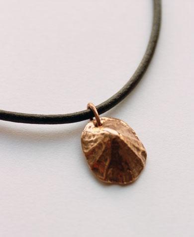 Pendentif bernique bronze