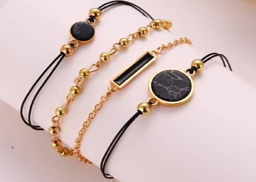 Bijoux bracelets or noir