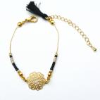 bracelet doré estampe rocaille et pompon (Copier)