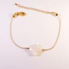 bracelet dore trefle nacre (Copier)