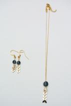 collier epi dore et swarovski bleu 3 (Copier)