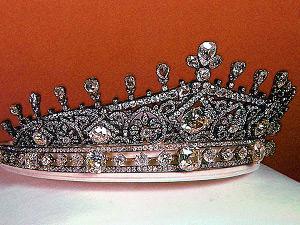 Empress Farah's Diamond Tiara 2