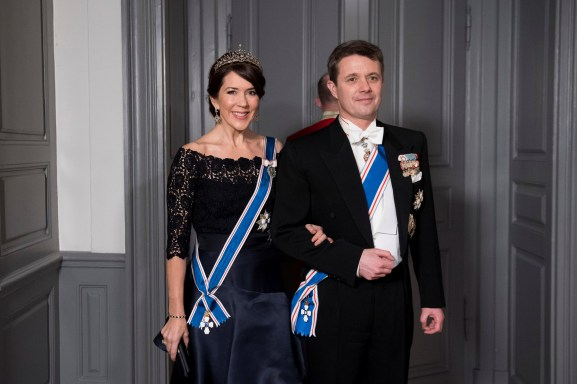Their Royal Highnesses Crown Princess Mary and Crown Prince Frederik of Denmark arrive at the Gala Dinner for Iceland's President at Amalienbog Castle in Copenhagen, Denmark, January 24, 2017. Picture taken January 24, 2017. Scanpix Denmark/Stroyer Sisse/ via REUTERS ATTENTION EDITORS - THIS IMAGE WAS PROVIDED BY A THIRD PARTY. FOR EDITORIAL USE ONLY. NDENMARK OUT. NO COMMERCIAL OR EDITORIAL SALES IN DENMARK. - RTSX8IQ