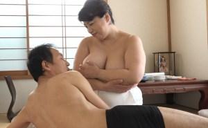 デブ専歓喜のもち肌爆乳♪豊満ポチャ六十路熟女の巨乳垂れ乳マッサージ!