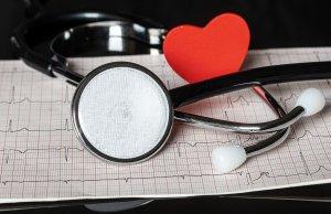 Werkstress en QT-verlenging op het ECG