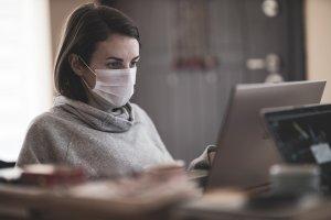 Niet ziek genoeg om thuis te blijven?