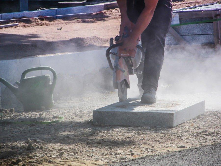 blootstelling aan silica bij slijpen van stenen