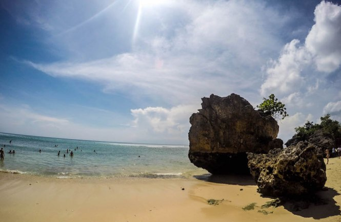 padang padang beach surfstrand rotsen - TOP 10 BEST THINGS YOU TO DO IN BALI INDONESIA