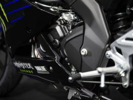 2019-Yamaha-YZF-R125-Monster-Energy-Yamaha-MotoGP-specialni-edice- (20)