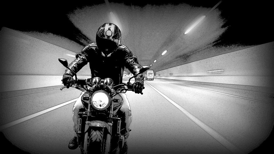 オートバイ 高速道路 ヘルメット フルフェイス バイク
