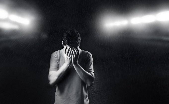 悲しい 男 落ち込ん 悲しみ 背景 若 人 ホワイト うつ病 ブラック ヘッド 男性