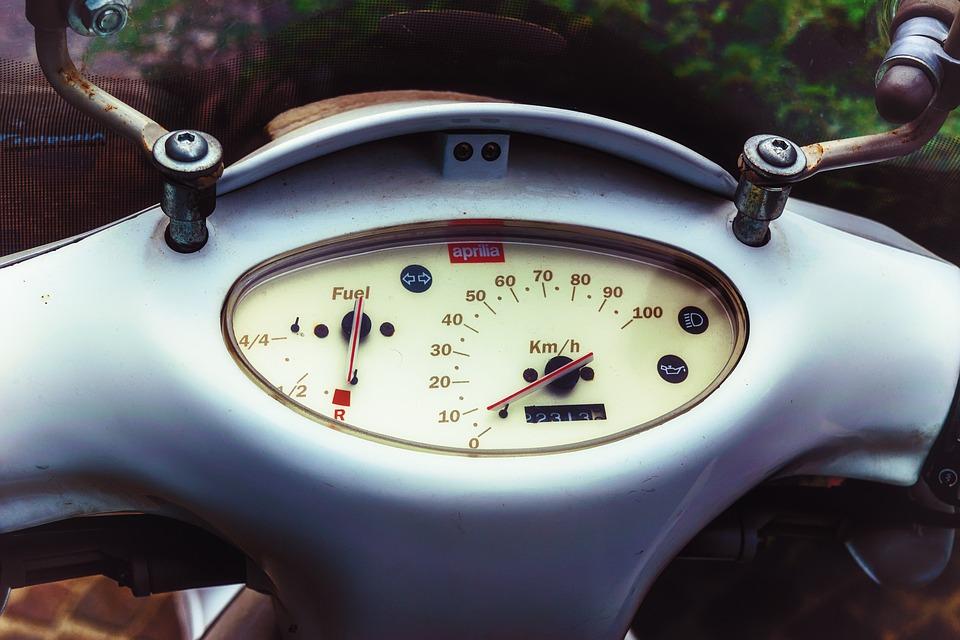 アプリリア オートバイ 原付 イタリア ノスタルジア クラシック ローラー 二輪車 ドライブ
