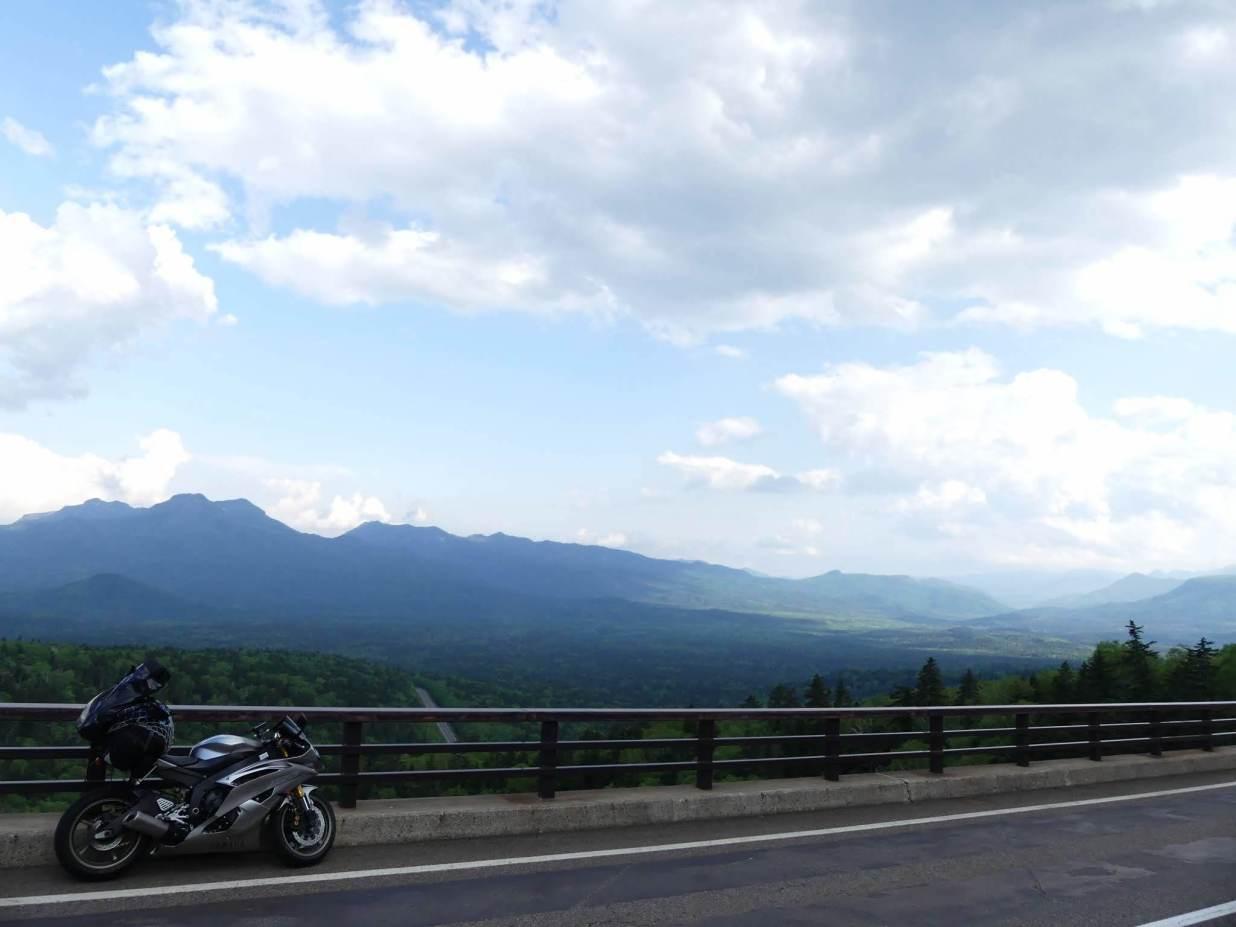 北海道河東郡上士幌町 三国峠 YZF-R6 ヤマハ ツーリング 山 空 バイク