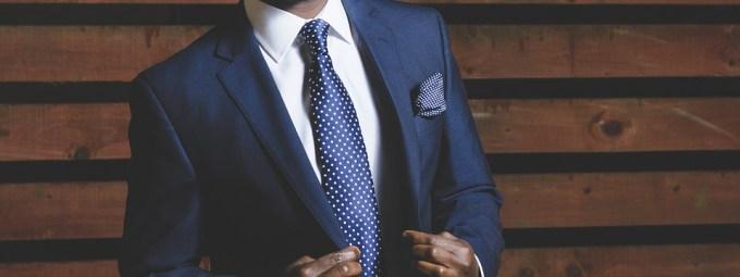 スーツ 男性 会社員