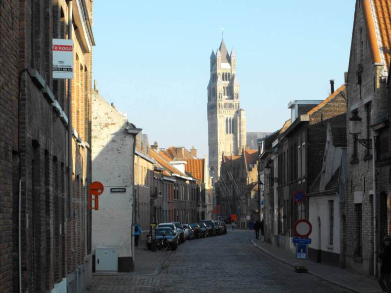 Safe, fun, scenic routes in Bruges