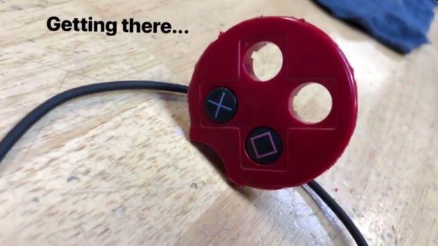 Botão de PlayStation vira controle de  SRAM e Di2 (3).jpg